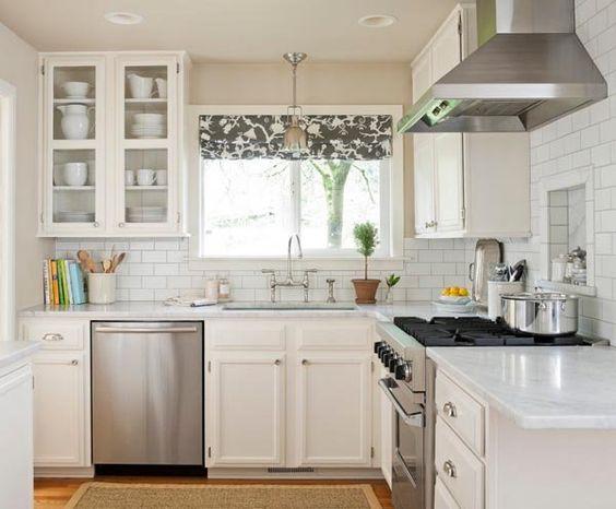 Кухня/столовая в  цветах:   Бежевый, Светло-серый, Серый.  Кухня/столовая в  стиле:   Скандинавский.