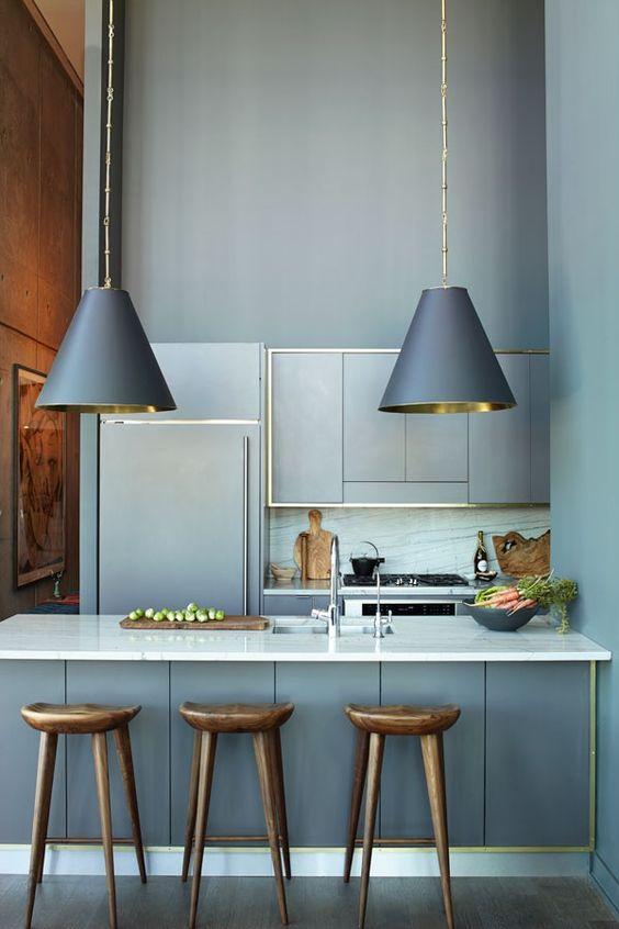 Кухня/столовая в  цветах:   Бирюзовый, Светло-серый, Серый, Синий, Темно-коричневый.  Кухня/столовая в  стиле:   Минимализм.
