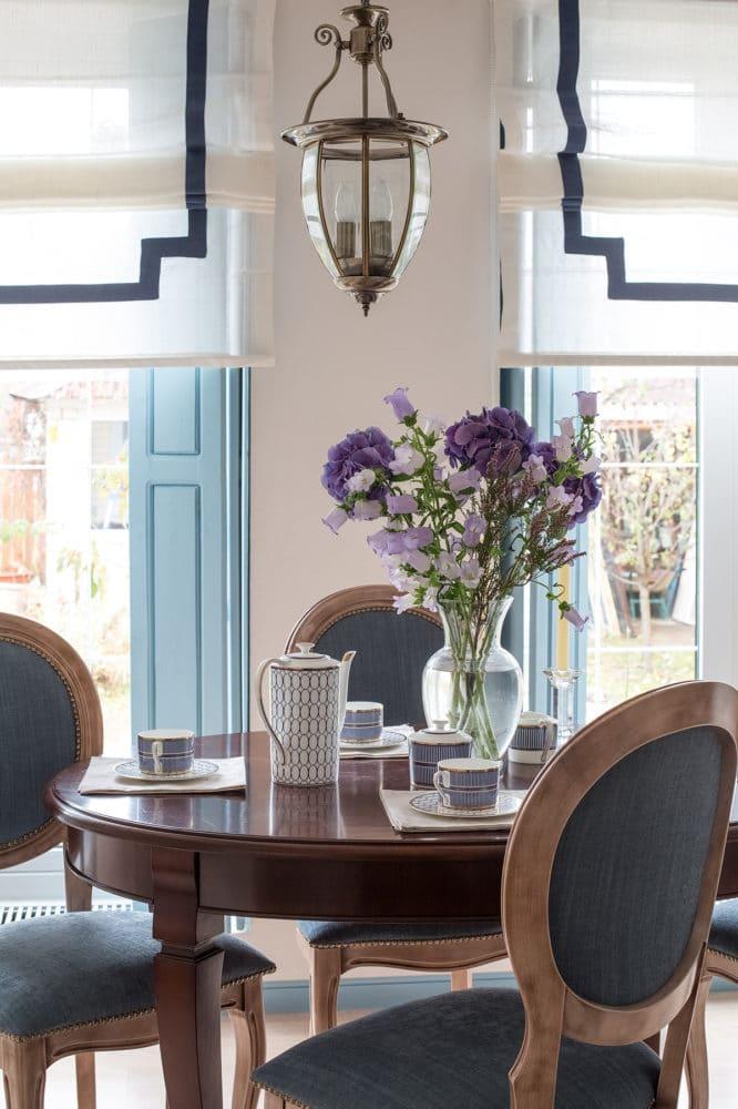 Кухня/столовая в  цветах:   Бежевый, Белый, Светло-серый, Серый, Черный.  Кухня/столовая в  стиле:   Прованс.