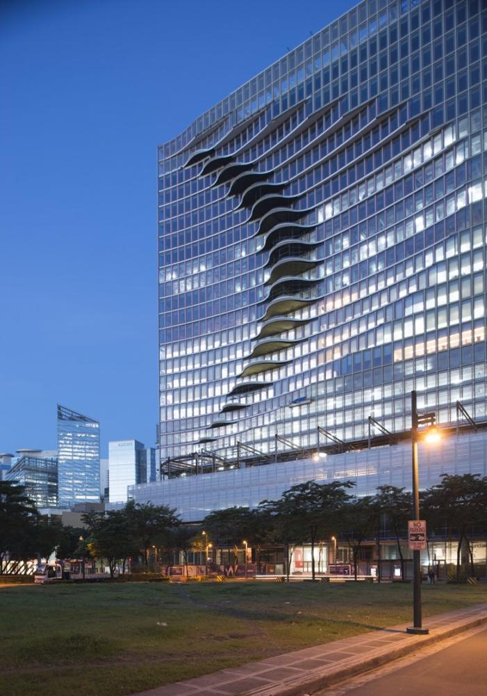 Архитектура в  цветах:   Бирюзовый, Светло-серый, Темно-коричневый, Фиолетовый.  Архитектура в  .