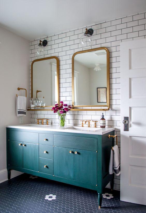 Ванная в  цветах:   Светло-серый, Бежевый, Бордовый, Бирюзовый, Синий.  Ванная в  стиле:   Минимализм.