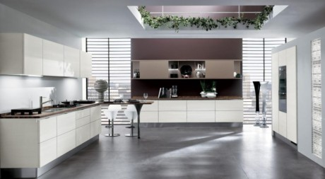 Кухня/столовая в  цветах:   Бордовый, Светло-серый, Серый, Темно-зеленый, Темно-коричневый.  Кухня/столовая в  стиле:   Минимализм.