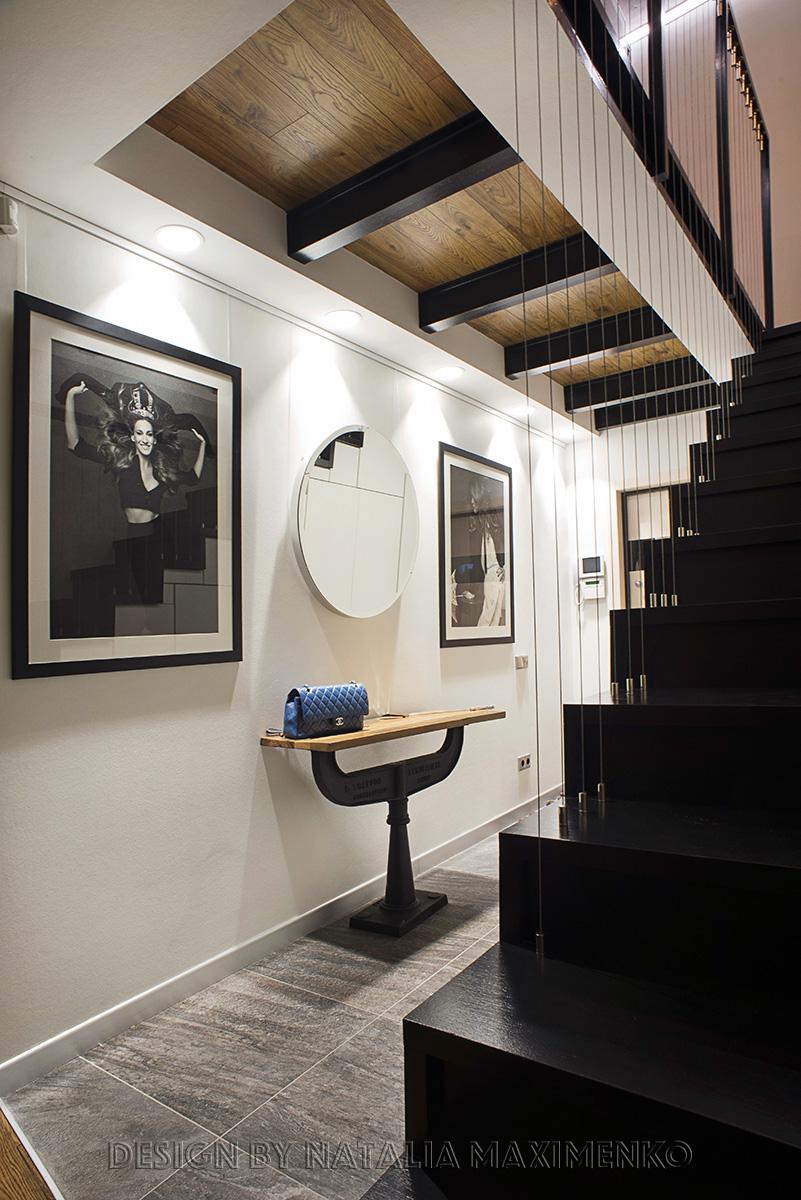 Квартира получилась светлой, просторной и уютной, несмотря на присутствие множества индустриальных материалов.