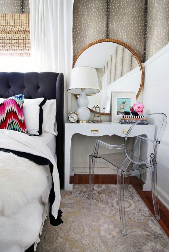 Спальня в  цветах:   Бордовый, Коричневый, Светло-серый, Серый, Фиолетовый.  Спальня в  стиле:   Неоклассика.