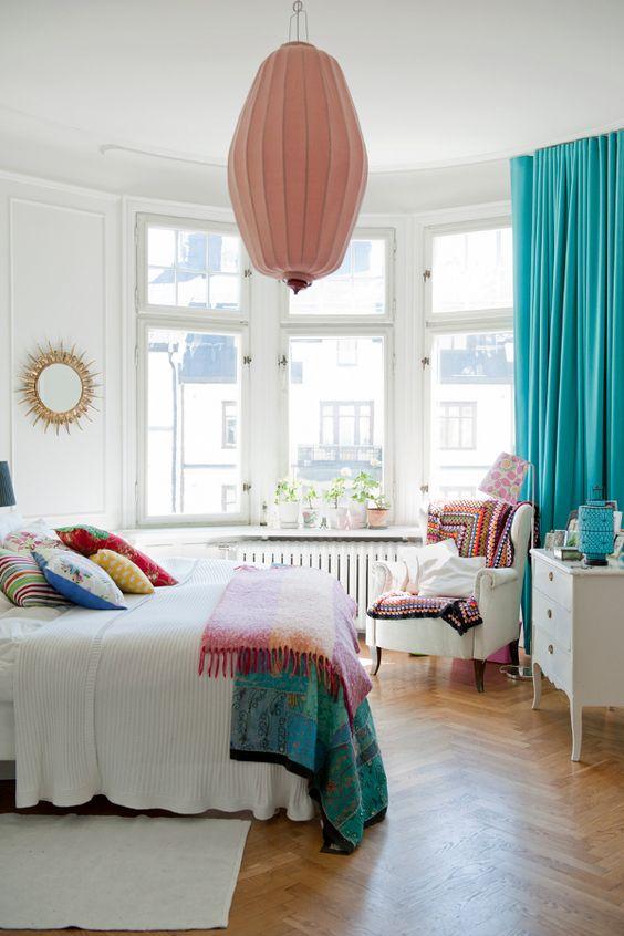 Спальня в  цветах:   Голубой, Коричневый, Светло-серый, Синий.  Спальня в  стиле:   Скандинавский.