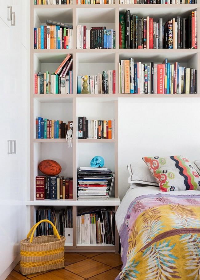 Спальня в  цветах:   Бежевый, Бордовый, Красный, Светло-серый, Темно-коричневый.  Спальня в  стиле:   Скандинавский.