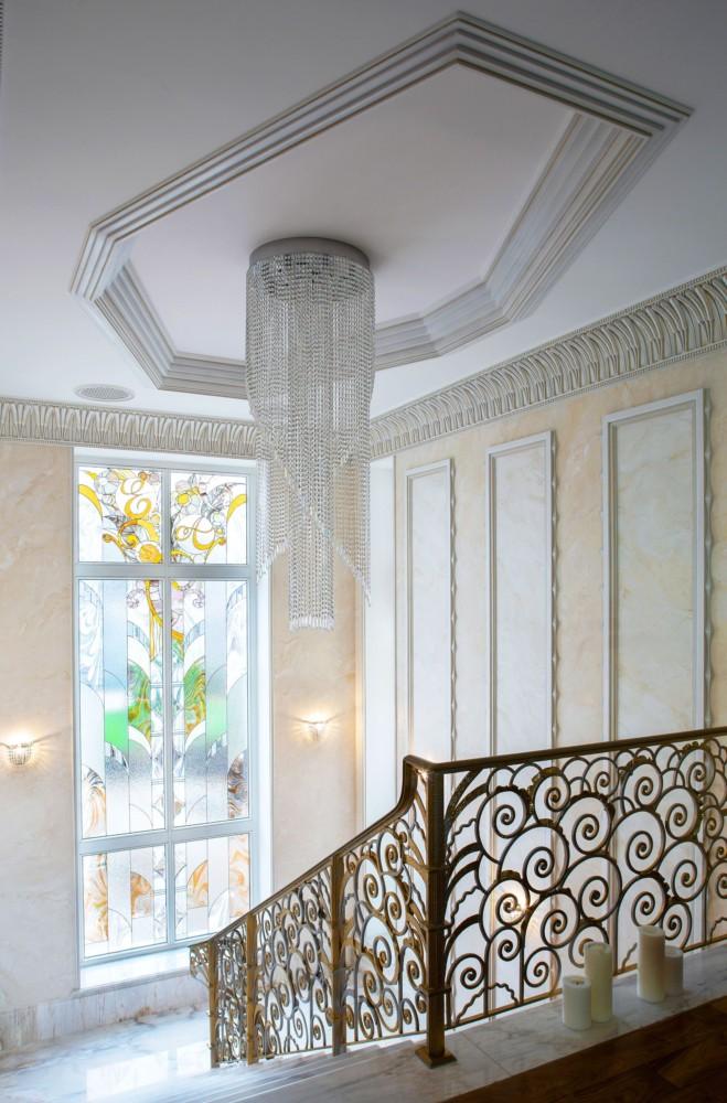 Витраж на лестнице