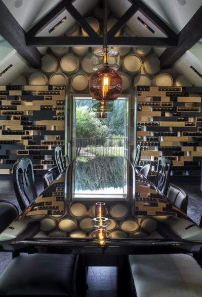Кухня/столовая в  цветах:   Бежевый, Бирюзовый, Голубой, Темно-коричневый.  Кухня/столовая в  стиле:   Эклектика.