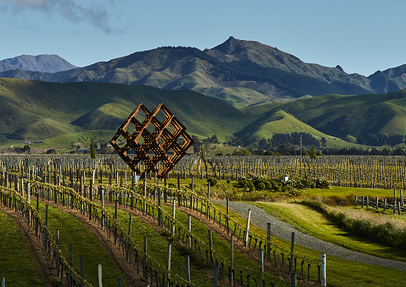 Скульптура для виноградника