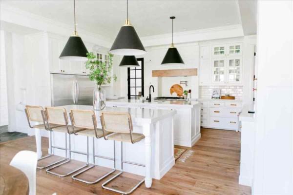 Кухня/столовая в  цветах:   Бежевый, Белый.  Кухня/столовая в  .