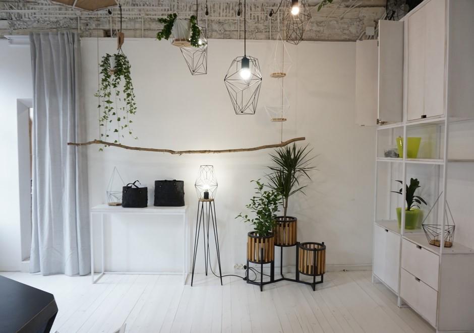 На Курской появился шоу-рум доступной мебели и декора