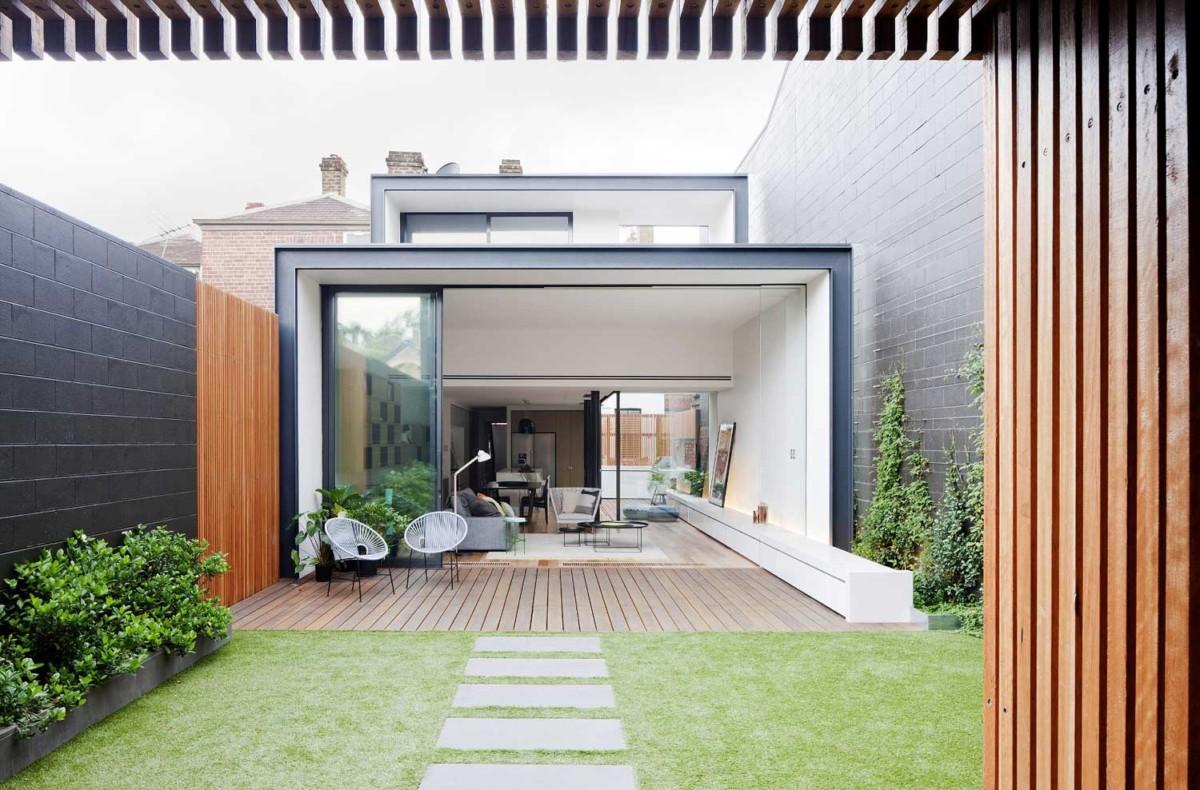 Дом на маленьком дачном участке: 15 лучших примеров