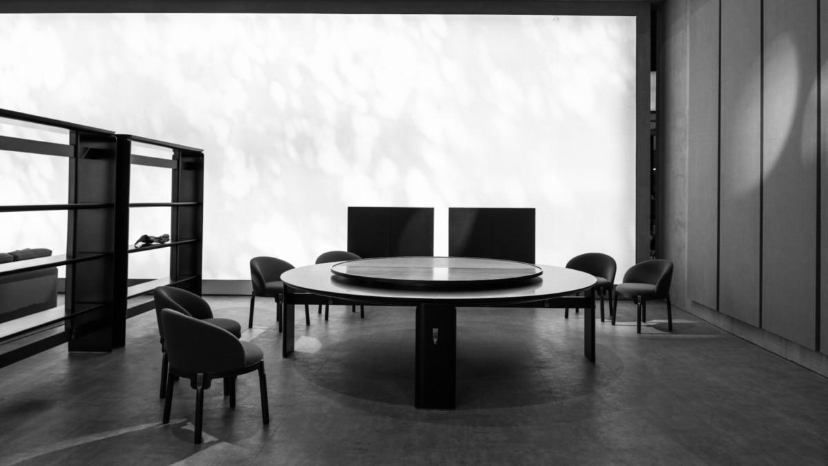 Минимализм в действии: интервью с одним из самых прогрессивных азиатских дизайнеров