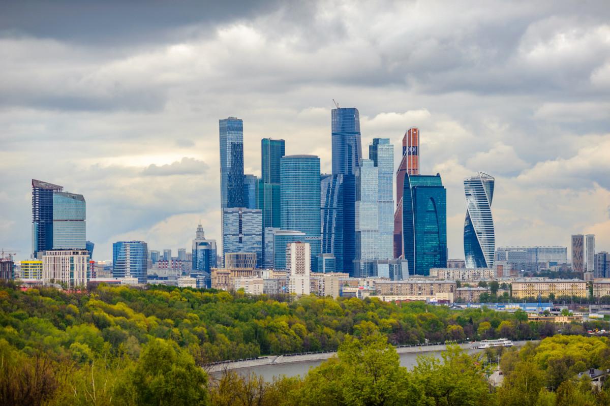 В каких районах Москвы больше всего продали квартир в феврале
